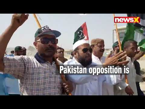 Pakistan Azadi March: Protesters started Marching in Karachi against PM Imran Khan | NewsX