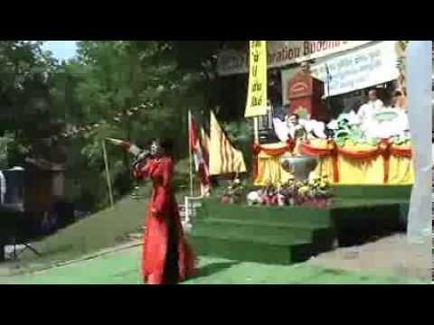 Ns. Phuong Hong Thuy tai Tu Vien Pho Da Son Canada