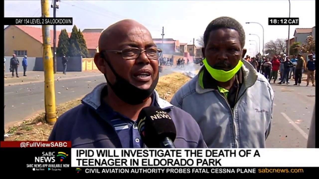 Download Violent protests break out in Eldorado Park after killing of a 16-year-old
