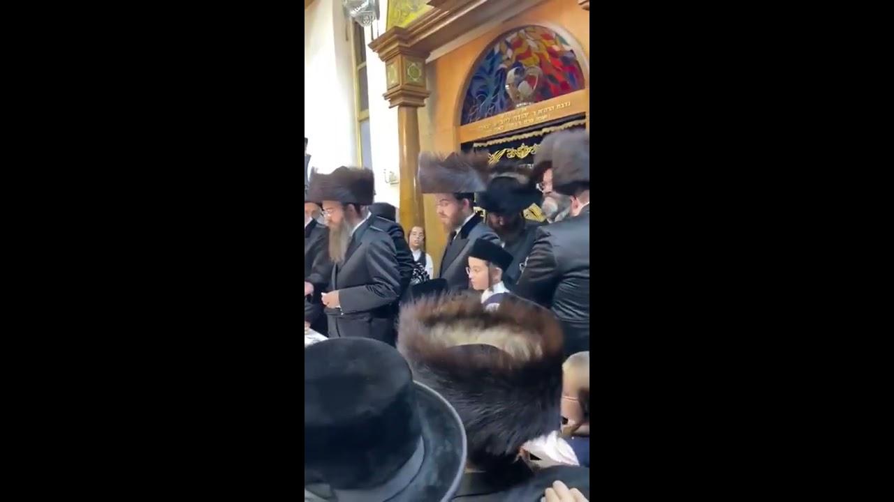 Sadigerer Rebbe Making  Havdalah