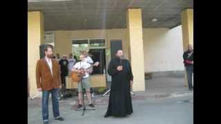 отец Владимир,Сергиев Посад(Видео: Иван СОЛОДОВ., 2012-06-20T20:23:59.000Z)