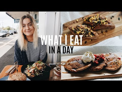 WHAT I EAT IN A DAY | Vegan, Easy & Delicious (Recipes)