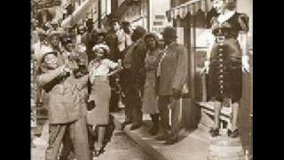 Louis Armstrong & His Hot 5 - Savoy Blues - 1927