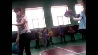 Урок физкультуры/мой класс ТП как и я сама)