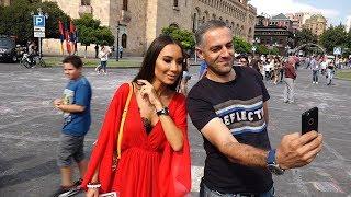 Час селфи в рамках Дня независимости прошел в Ереване