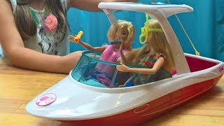 Barbie Dolphin Magic Motorboat, Motorówka dla lalki Barbie