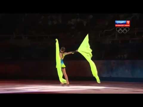видео: Аделина Сотникова (Adelina Sotnikova). Показательные выступления. Олимпиада Сочи 2014