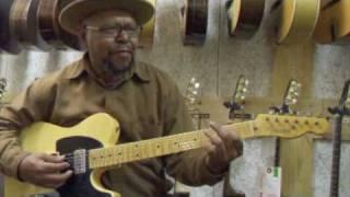 Larry Garner en visite à Guitare Village