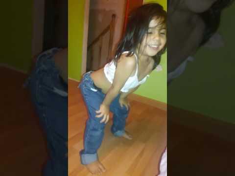 Niña de 3 años bailando work nivel dios🌸😻