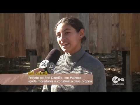 Projeto no Frei Damião, em Palhoça, ajuda moradores a construir a casa própria