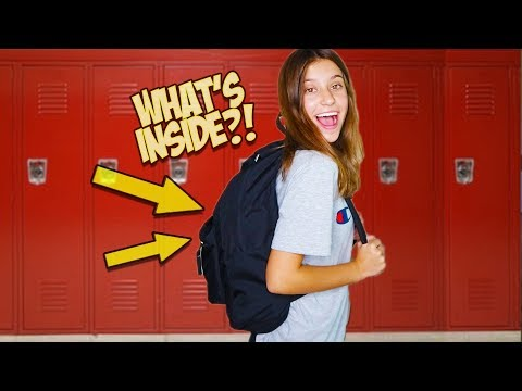 WHAT'S IN MY BACKPACK?! FIRST YEAR OF HIGH SCHOOL!!