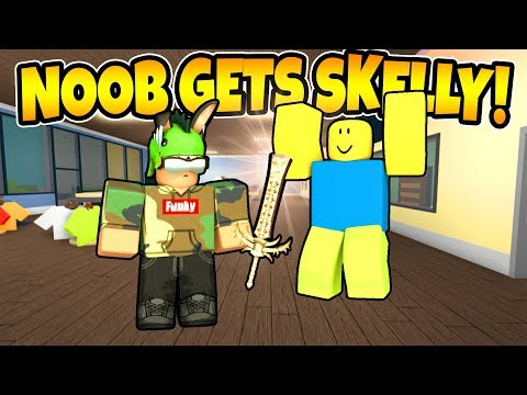 Giving A Noob A Skeleton King! Roblox Assassin