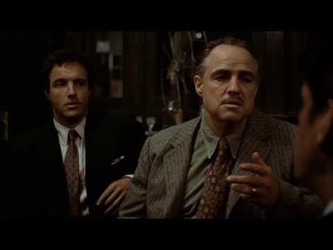 3.- EXPERTO NEGOCIADOR: El Padrino - Marlon Brando