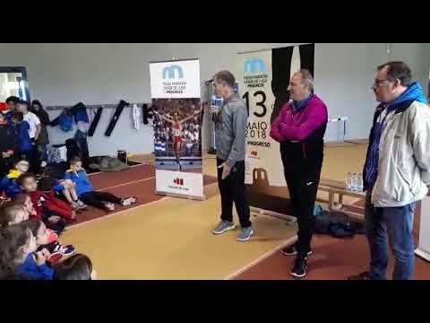 Fermín Cacho y Abel Antón charlan con jóvenes atletas lucenses