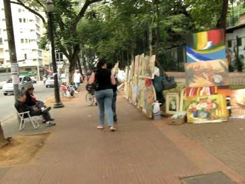 Caminhando por São Paulo  Praça da República - Exposição de obras de arte. f5c35f94d8