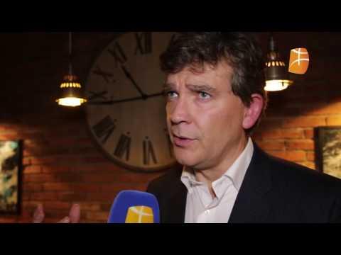 Arnaud Montebourg au micro de Berbère Télévision