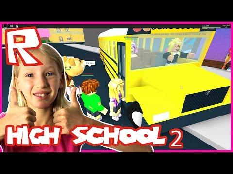 High School - RIDING THE SCHOOL BUS | Roblox