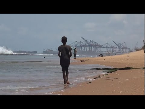 Togo : le port de Lomé menace les villages côtiers