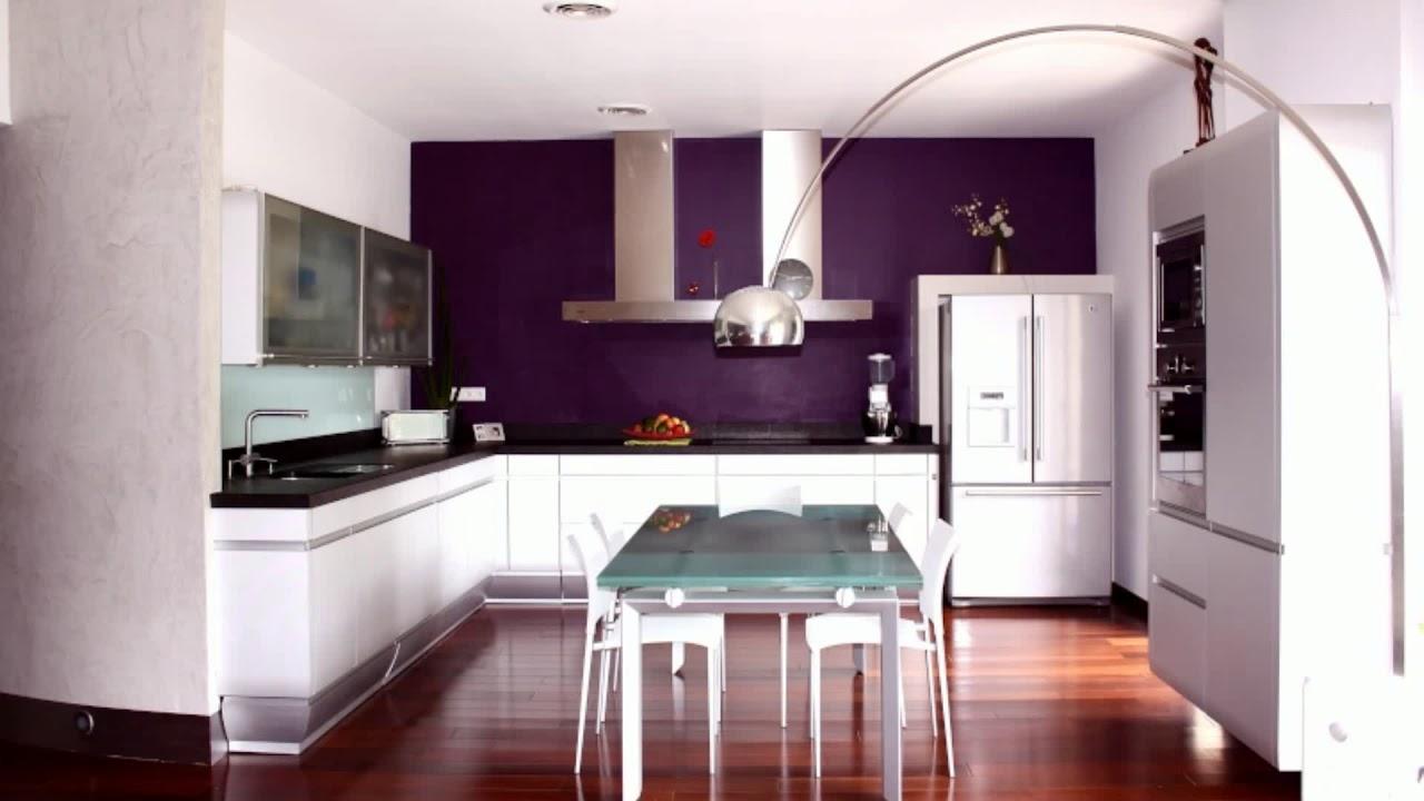 meuble de cuisine aubergine
