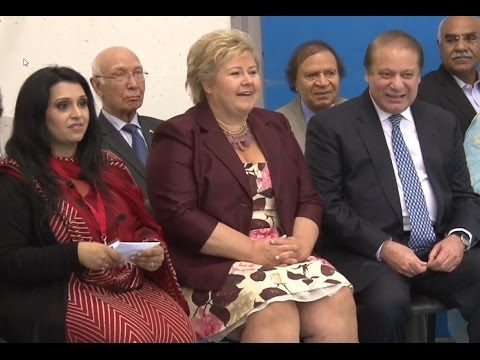 Falken Girls With PM Nawaz Sharif and PM Erna Solberg From Norway ( Norway 2015 )