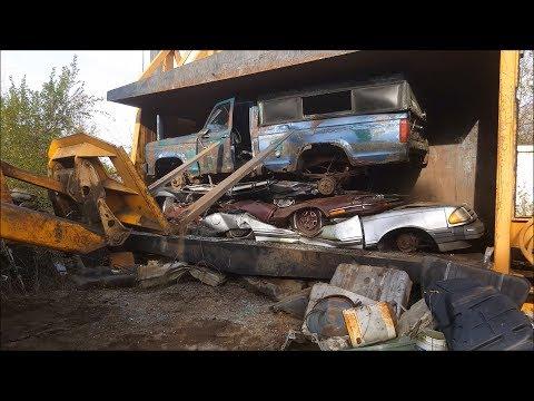 car crusher crushing cars 42