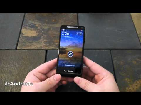 Motorola DROID RAZR M video review