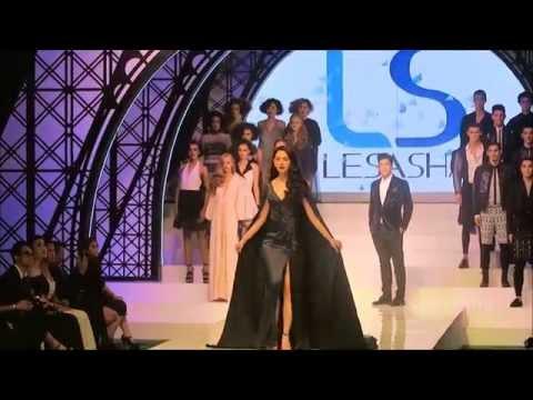 Fashion show ใหม่ ดาวิกา โฮร์เน่ และ อาเล็ก ธีรเดช    #ใหม่  #ดาวิกา  #อาเล็ก  #ธีรเดช #Lesasha