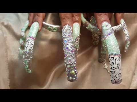 Long green nails extravaganza