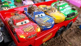 Disney car play dirt. Learning color by car. Car play video.