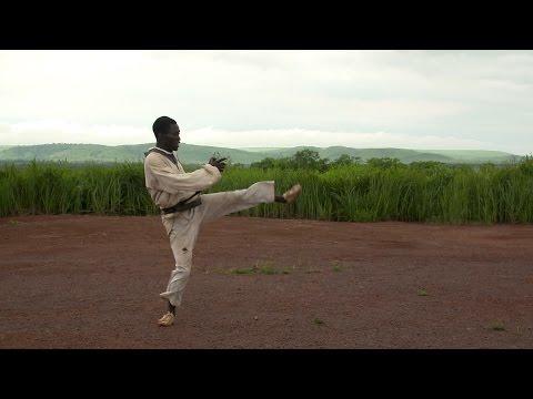 Central African Republic taekwondo master sends #TeamRefugees support