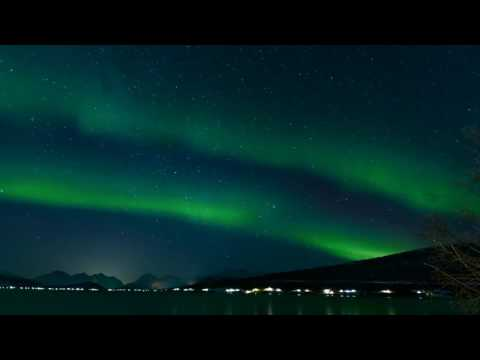 Fast Motion Northern Lights   4K Relaxing Screensaver