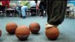 Tai Chi balancing show (Basketball Show),The only Chinese in overseas