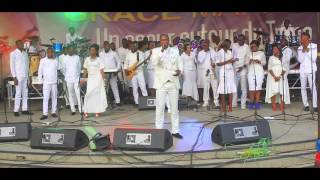 Michel Bakenda - Yesu mosali bolamu concert UNIKIN (désolé pour le son)
