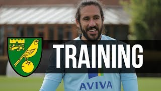 Repeat youtube video TRAINING: Norwich City Prepare for Manchester United