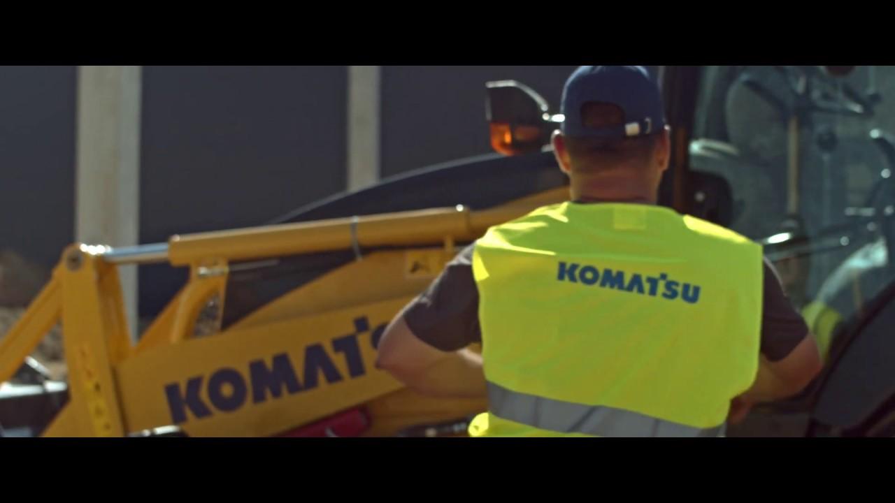 Komatsu WB93R-8 Backhoe Loader