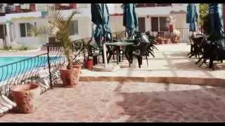 РУМЫНИЯ: Номер в отеле за 15 евро в деревне Vama Veche... Romania(Смотрите всё путешествие на моем блоге http://anzor.tv/ Мои видео путешествия по миру http://anzortv.com/ Канал LIVE FREE https://www...., 2012-06-29T13:00:52.000Z)