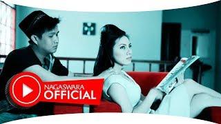 Laroca - Bebaskan Aku (Official Music Video NAGASWARA) #music