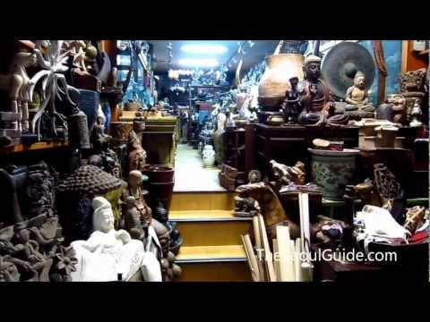 Dapsimni Antique Market in Seoul, South Korea