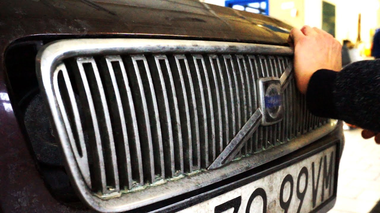 Volvo C30 S40 V50 C70 remove grill and badge - YouTube