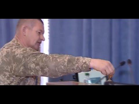 Скандал! Ветераны АТО вернули свои медали Порошенко