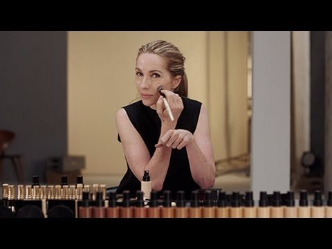 Foundation for Fine Lines and Wrinkles | Makeup How To | Bobbi Brown Cosmetics