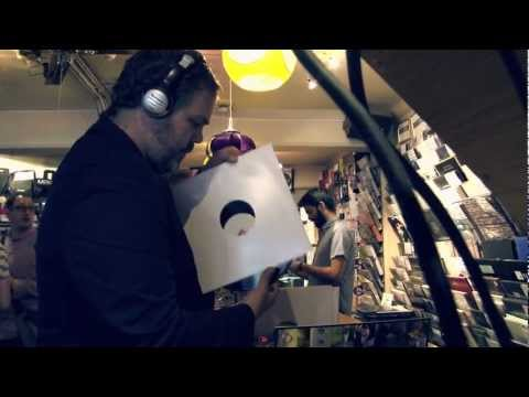 FACT TV: Record shopping with Nick Höppner
