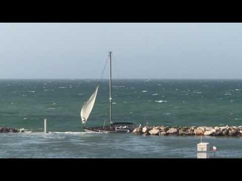 24.07.2017 The wreck of a yacht near Gabicce Mare! Il crollo dello yacht intorno Gabicce Mare!