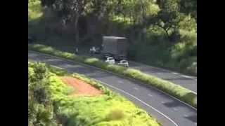 Assalto a carro forte na BR 153 proximo a  Itumbiara 1/2