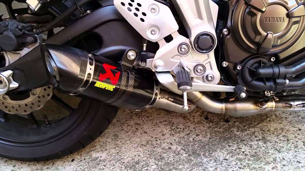 yamaha mt 07 akrapovic exhaust sound akrapovic carbon. Black Bedroom Furniture Sets. Home Design Ideas