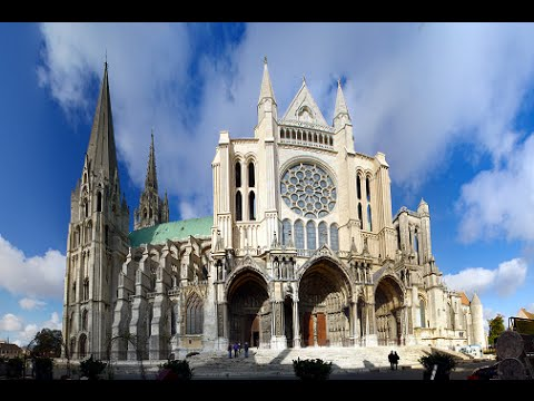 the colosseum vs chartres cathedral The cathedral boasts 26,900 square feet of stained glass in 176 stunning windows, among them three rose windows that are world famous the deep, intense color known as chartres blue is immortalized in the cathedral's glass.