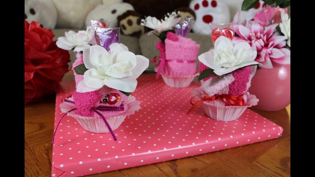 Fluffy Sock Cupcake Gift Idea - YouTube