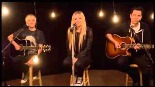 Video Avril Lavigne Here To Never Growing Up Versión Acústica download MP3, 3GP, MP4, WEBM, AVI, FLV Juli 2018