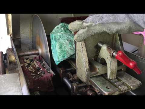 Lapidary 101 Part 1: How To Use A Slab Saw