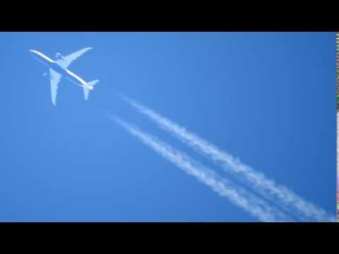 G-ZBKO Boeing 787 Dreamliner sobrevolando Formosa